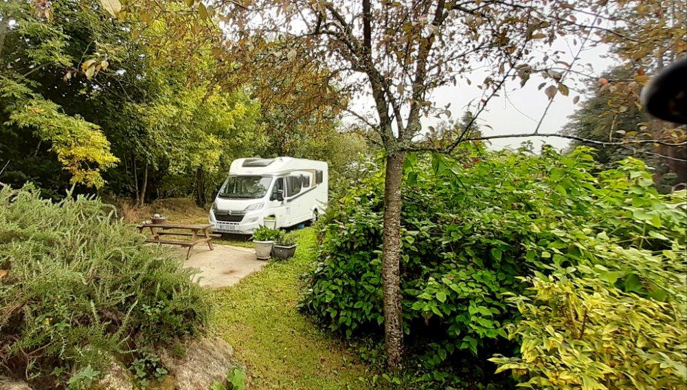 Aire camping-car à Elliant (29370) - Photo 2